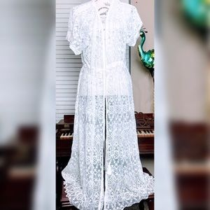 Beautiful white lace coverup final  price d